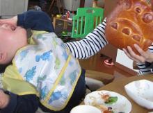 絵本を幼児に読み聞かせるブログ-110409-6